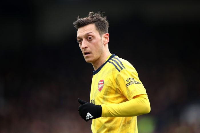 LONDON, ENGLAND - JANUARY 11: Mesut Ozil of Arsenal reacts during the Premier League match between Crystal Palace and Arsenal FC at Selhurst Park on January 11, 2020 in London, United Kingdom. (Photo by Alex Pantling/Getty Images)