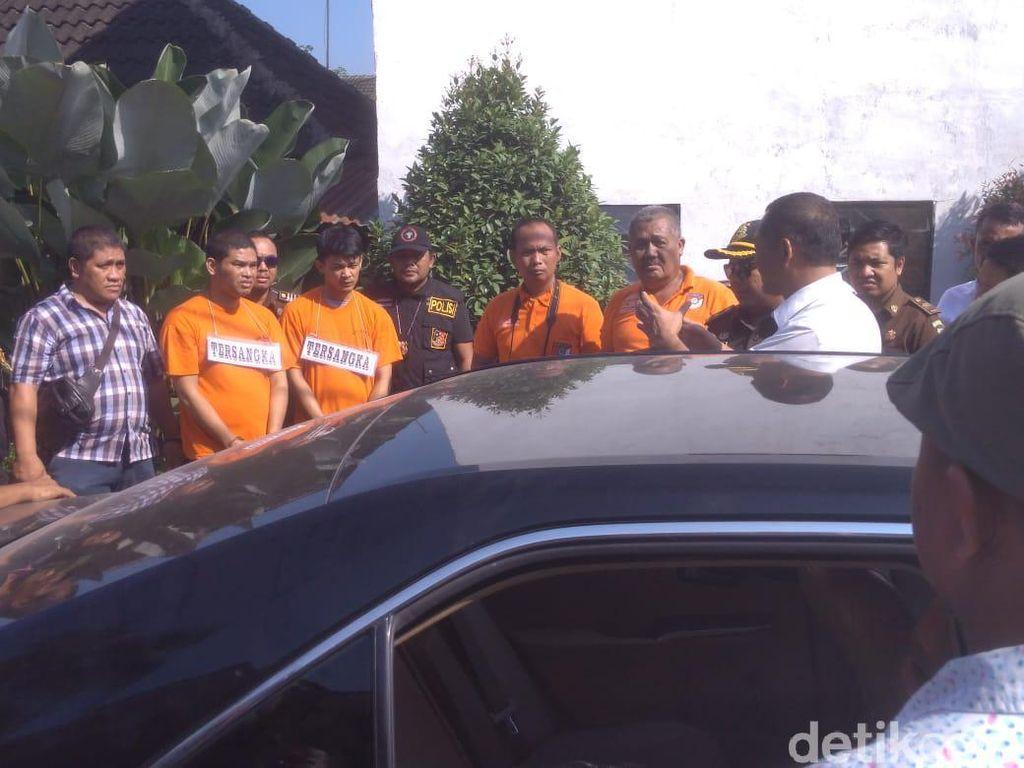 Eksekutor Hakim Jamaluddin Pakai Masker-Sarung Tangan di Mobil Zuraida