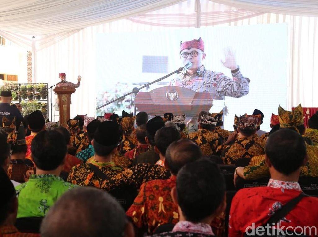 Bupati Anas Ajak Kepala Sekolah dan Guru Mendidik Dengan Koneksi Batin
