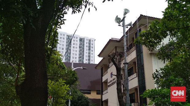 Peringatan Banjir Jakarta yang Tak Terdengar di Toa