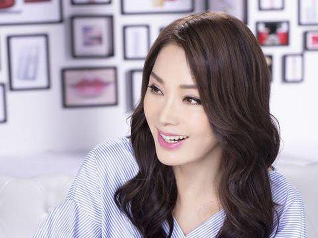 Potret Aktris Awet Muda yang Dijuluki Tante Tercantik dari Taiwan