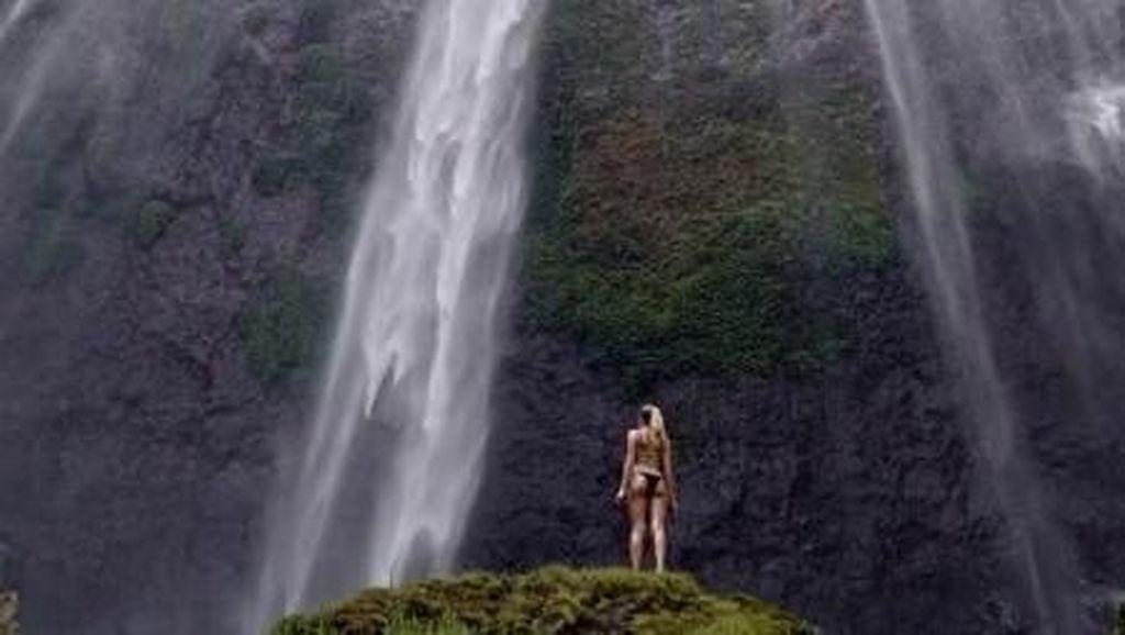 Mengagumi Moleknya Air Terjun Terindah di Jawa