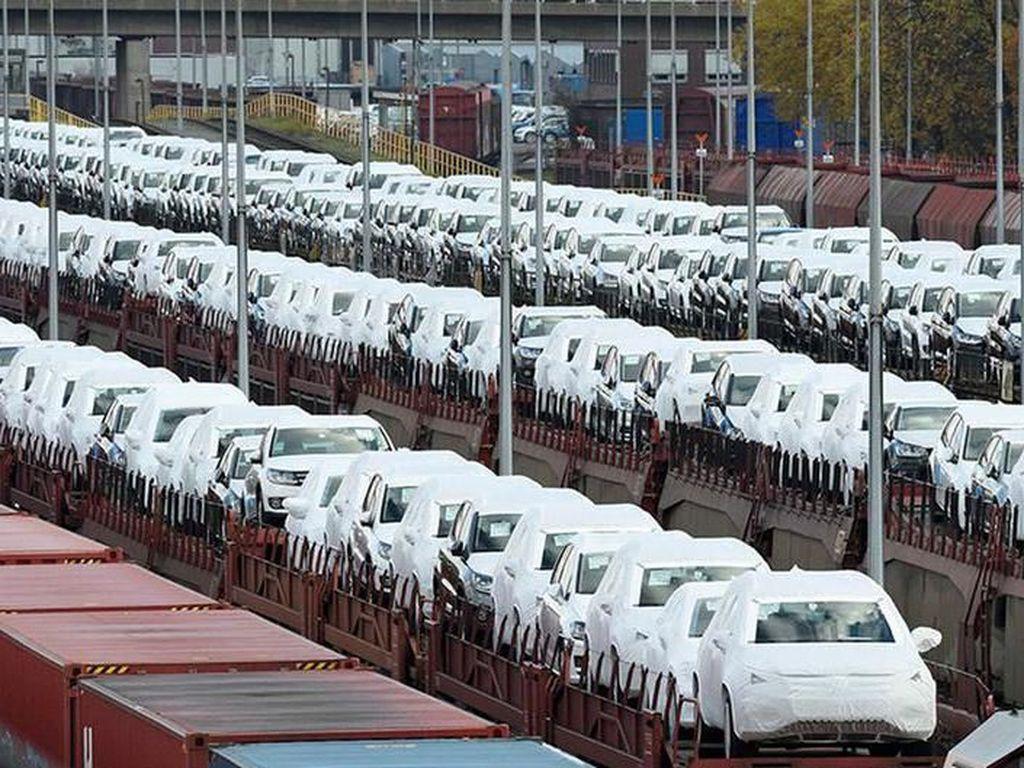 Uni Eropa dan AS Tak Bahas Sanksi Bea Impor Mobil Eropa