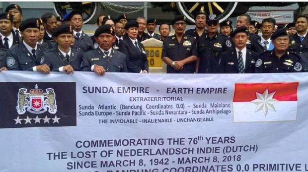 Roy Suryo Laporkan Petinggi Sunda Empire ke Polda Metro Jaya