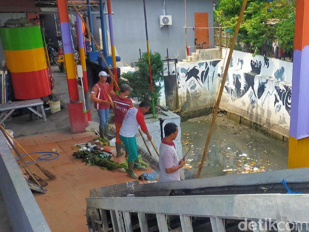 Cerita Penjaga Rumah Pompa Pantang Pulang Demi Surabaya Tak Banjir