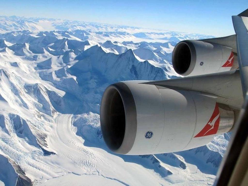 Tamasya Antartika dari Atas Pesawat Dibuka Kembali