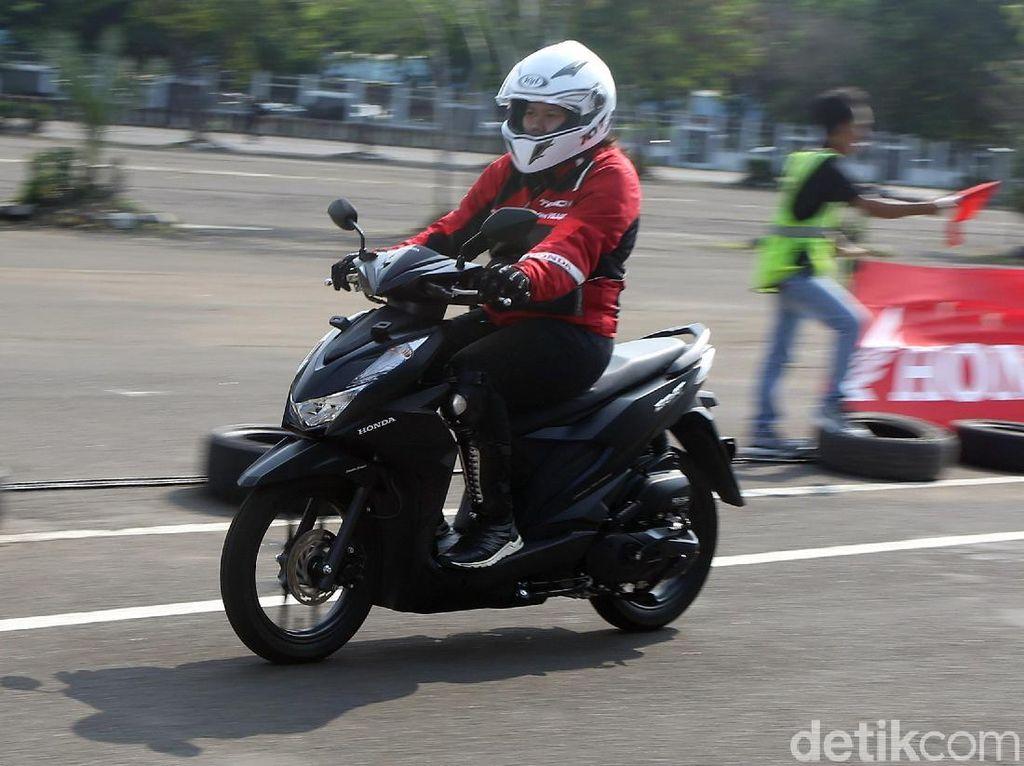 Menjajal Honda BeAT Baru Seharga Rp 17 Jutaan