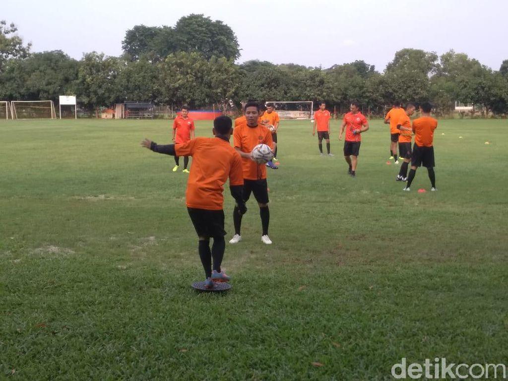 Evan Dimas Ikuti Latihan Perdana Persija Jakarta Bersama Sergio Farias
