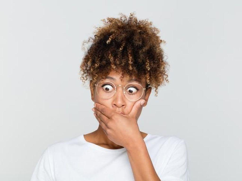 Tak Boleh Dilanggar! 5 Pantangan Makan Bagi Pemakai Susuk