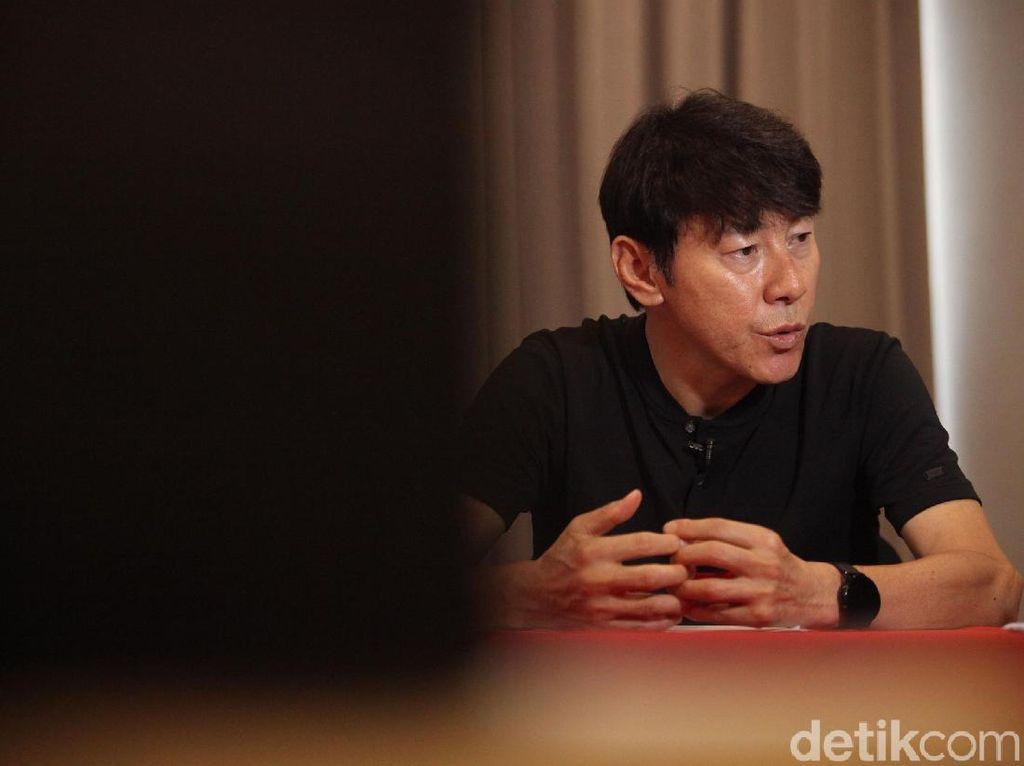 Gaji ShinTae-yong dan Staf Timnas Indonesia Juga Bakal Dipotong