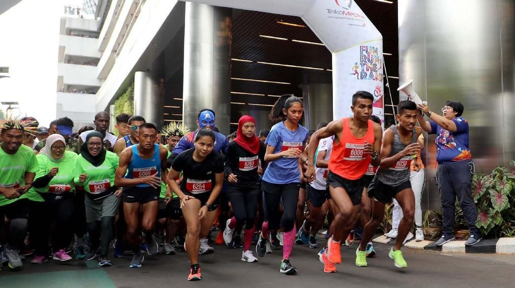 Keceriaan Lari Sehat di HUT TelkoMedika