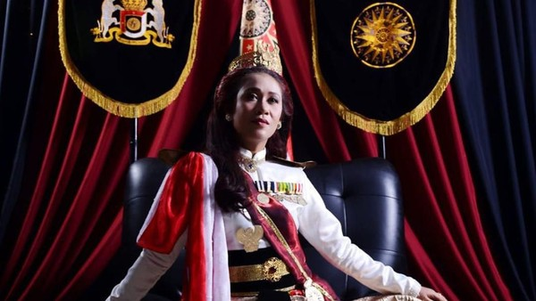 Foto: Ratu Keraton Agung Sejagat Fanni Aminadia (dok. IG @fanniadia_tbtd)