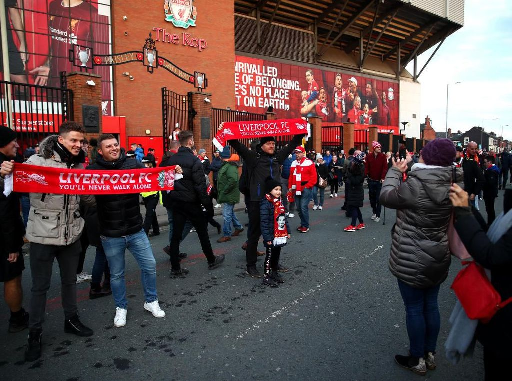 Liverpool Vs Man United: Liverpudlian, Tolong Ramaikan Anfield