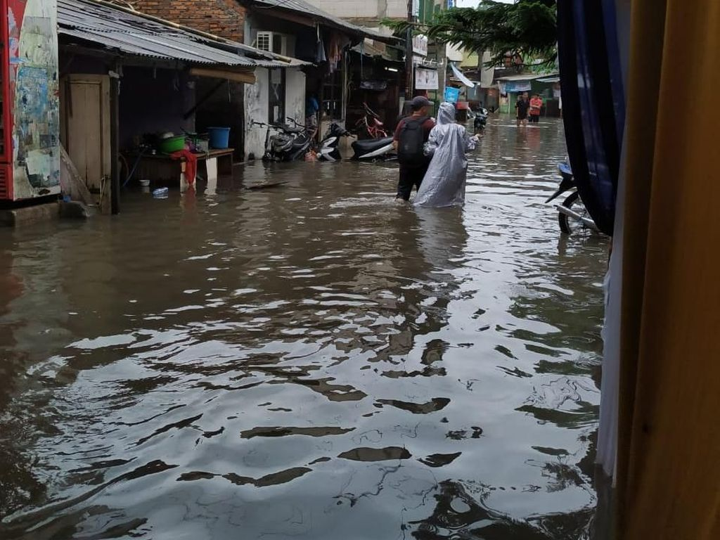 Ini Titik-titik Jalan Tergenang di Jakarta Usai Hujan Deras Pagi Tadi