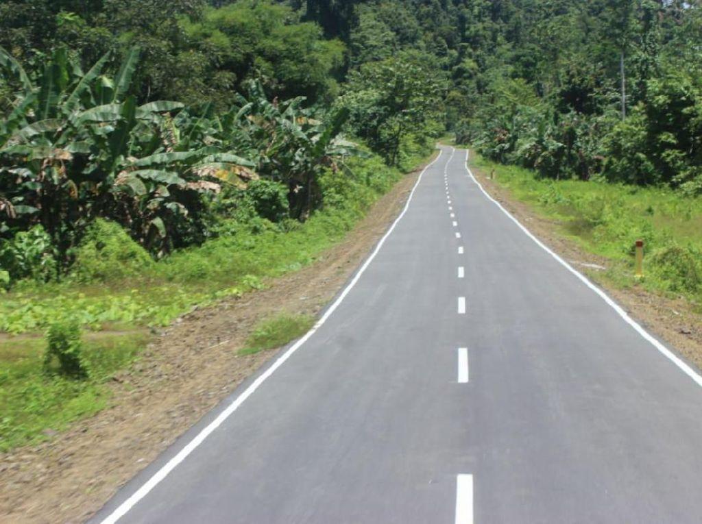 Kontur Jalanan Papua yang Buat Mobil Tangguh Jadi Primadona