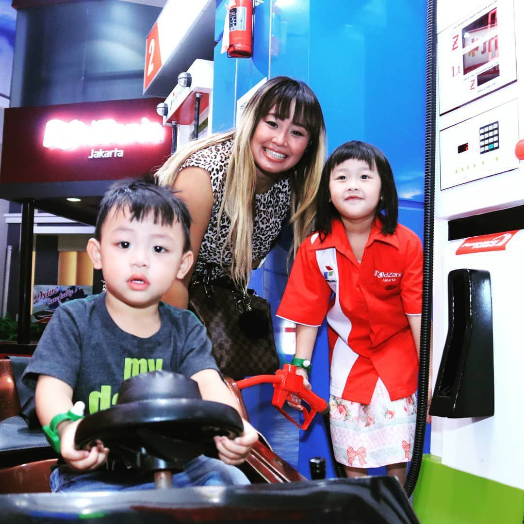Kabar Terbaru Pinkan Mambo Besarkan 7 Anak Putuskan Buka Laundry