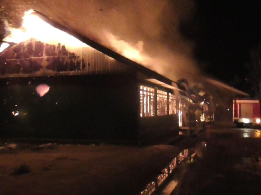 Pondok Pesantren Al Ikhlas Lampoko Polman Terbakar