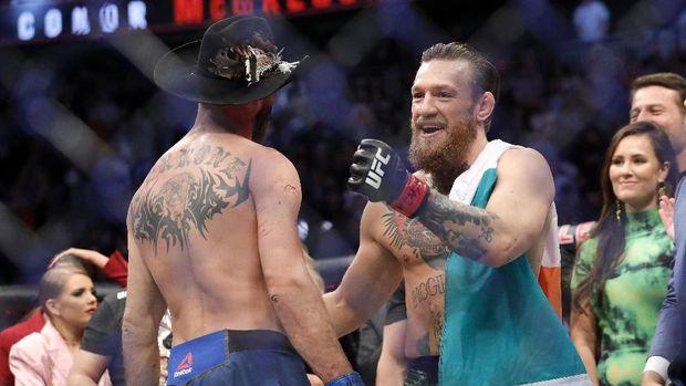 Conor McGregor usai mengalahkan Donald 'Cowboy'. Cerrone. (