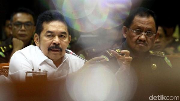 Komisi III DPR menggelar rapat kerja bersama Jaksa Agung ST Burhanuddin. Rapat kerja itu membahas kelanjutan kasus Jiwasraya.