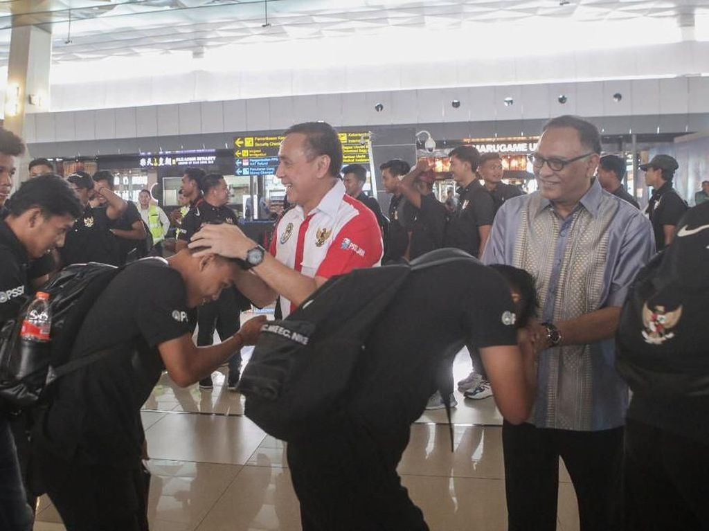 TC ke Thailand, Timnas Indonesia U-19 Dilepas Iwan Bule