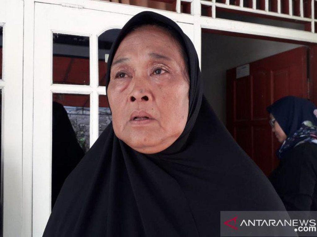 Ibu Sopir Bus yang Kecelakaan di Ciater Subang Minta Maaf ke Korban