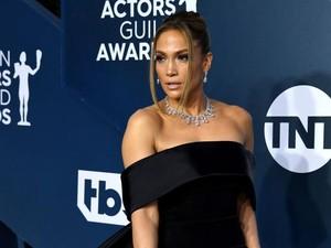 Jennifer Lopez Tampil Polos di Cover Album Terbaru