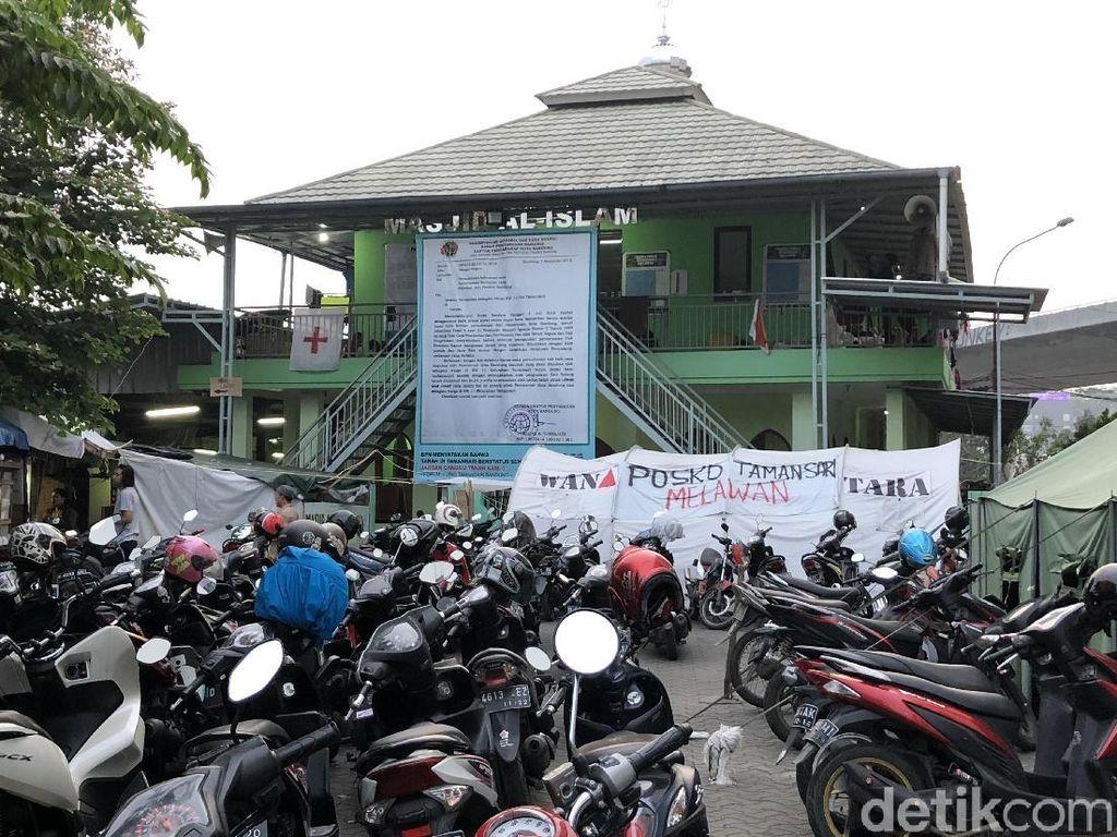 Diminta MUI Sterilkan Masjid, Pengungsi Tamansari Bandung Minta Waktu