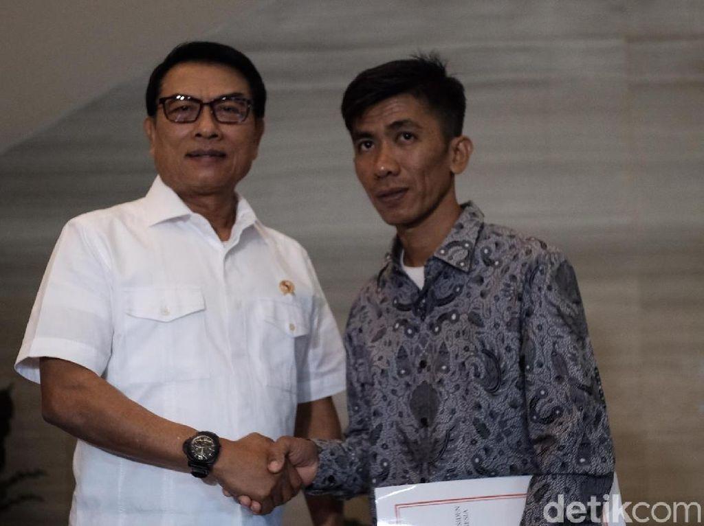 Bertemu Perakit Pesawat Asal Pinrang, Moeldoko Bicara Manajemen Talenta
