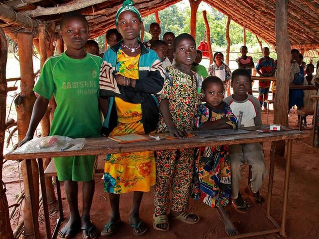 UNICEF: 1 dari 3 Gadis Remaja di Keluarga Miskin Tidak Pernah Sekolah