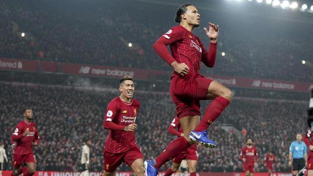 Virgil van Dijk sudah mencetak empat gol untuk Liverpool di Liga Inggris musim ini.
