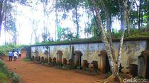Taman Hutan di Sumedang Ini Punya Benteng Usia Puluhan Tahun