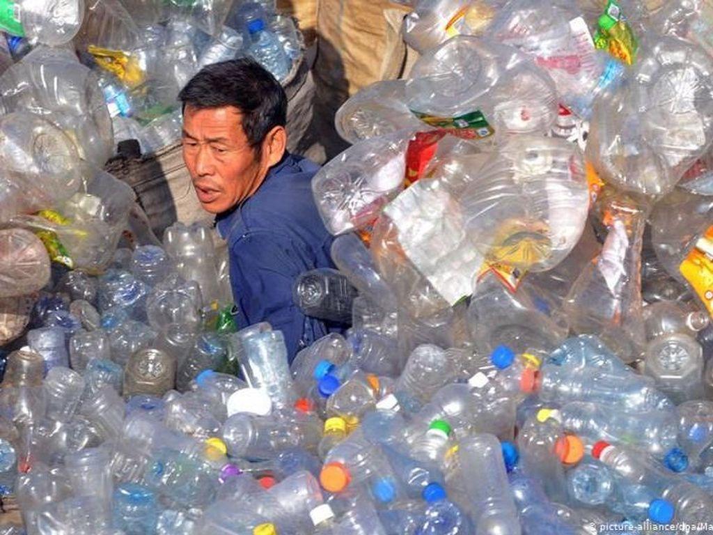 China Mulai Larang Plastik Sekali Pakai di Supermarket