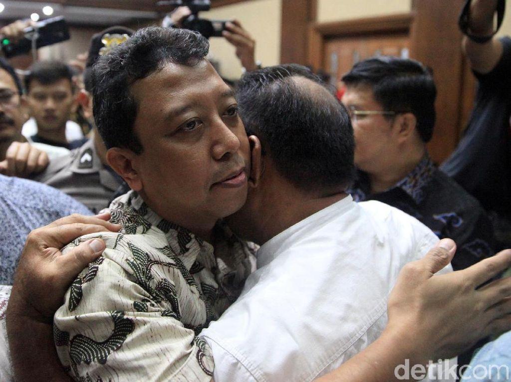 Pengadilan Tinggi DKI Potong Hukuman Romahurmuziy Jadi 1 Tahun