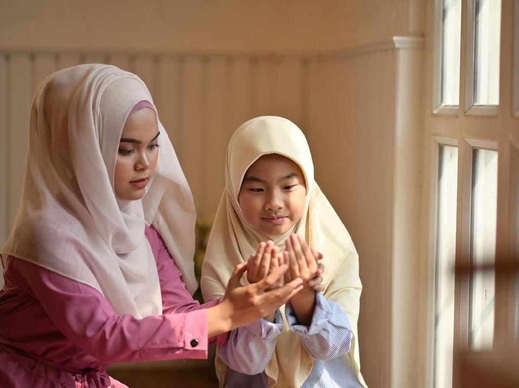 Doa untuk Ibu Tercinta dan Kewajiban Anak untuk Menghormatinya