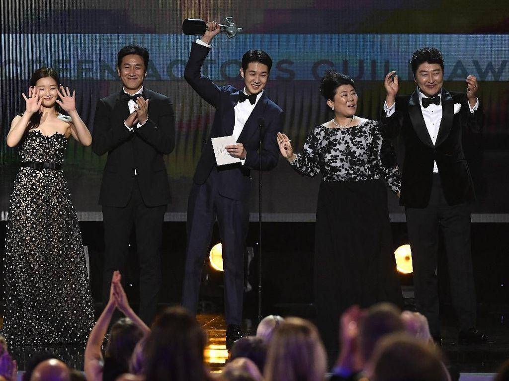 Parasite Cetak Sejarah di SAG Awards