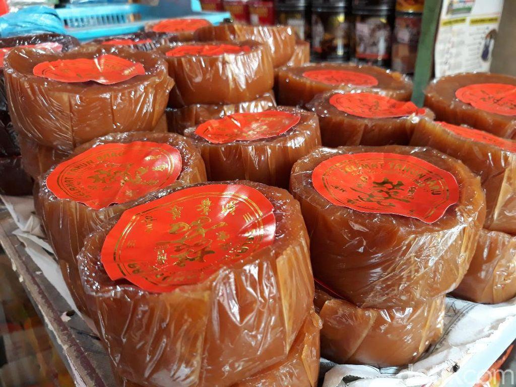 Manisan dan Kue Keranjang di Pasar Gede Ini Laris Manis