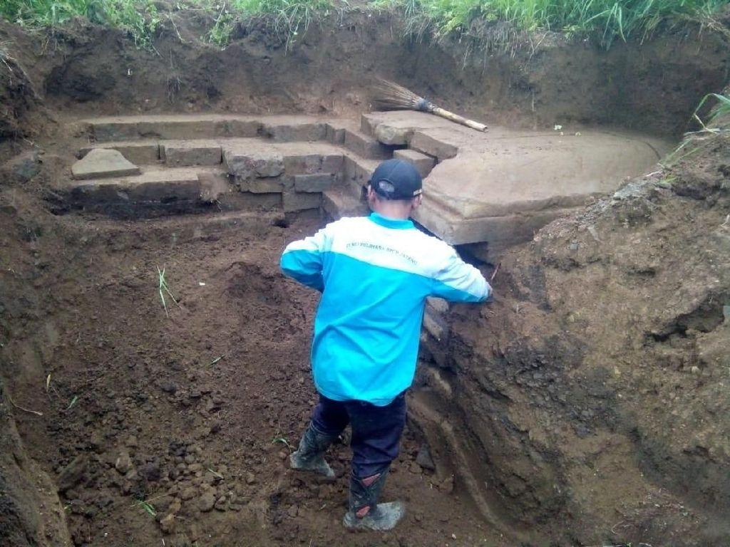 Kagetnya Warga Dieng: Bikin Septic Tank, Eh Nemu Bangunan Diduga Candi