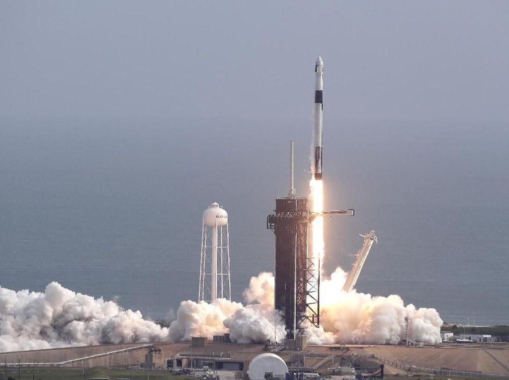 Sebar Internet Gratis, Satelit Satria Rogoh Kocek Rp 8 Triliun
