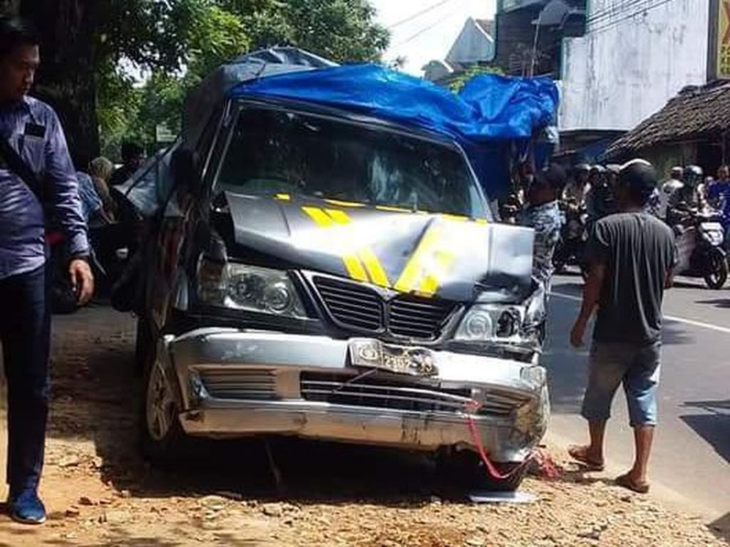 Mobil Patroli Polisi di Malang Kecelakaan Beruntun, 7 Kendaraan Ditabrak