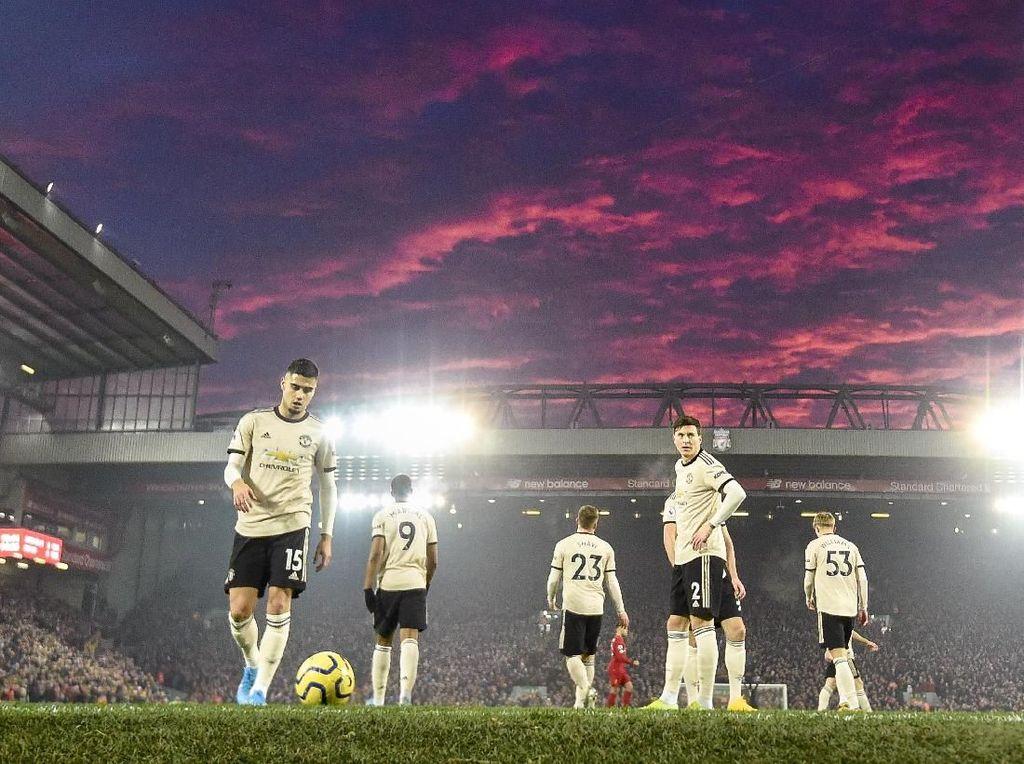 MU Apes Betul, Kena Dakwaan FA Usai Dikalahkan Liverpool