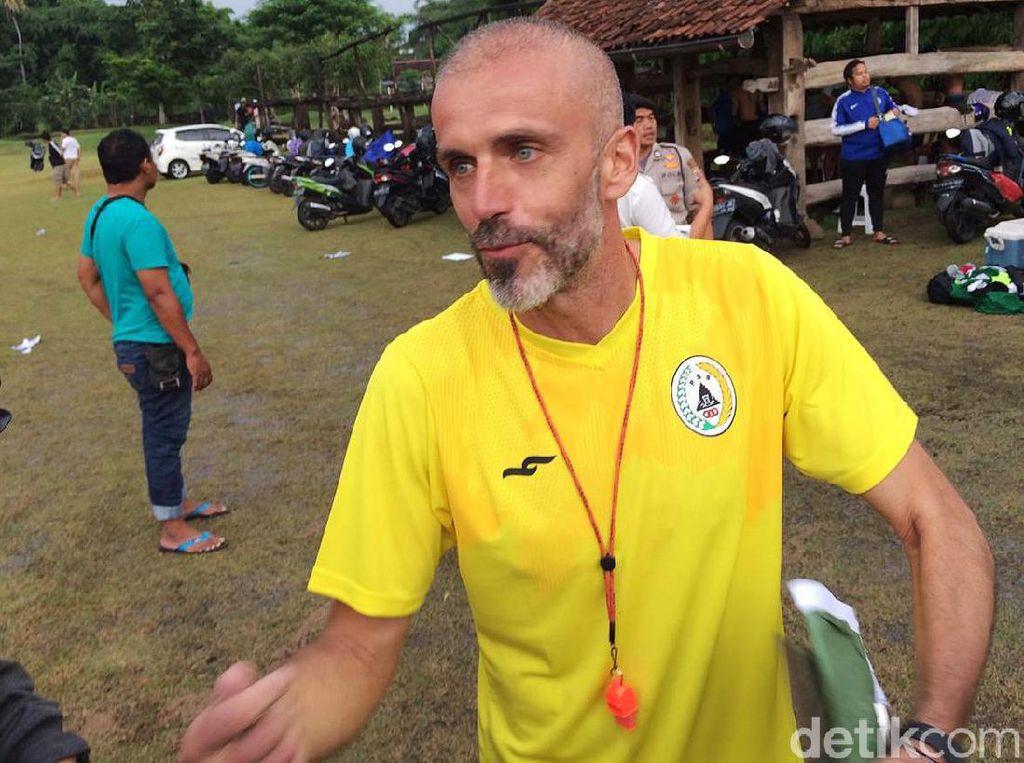Pelatih PSS Sleman Suka Irfan Bachdim, tapi...