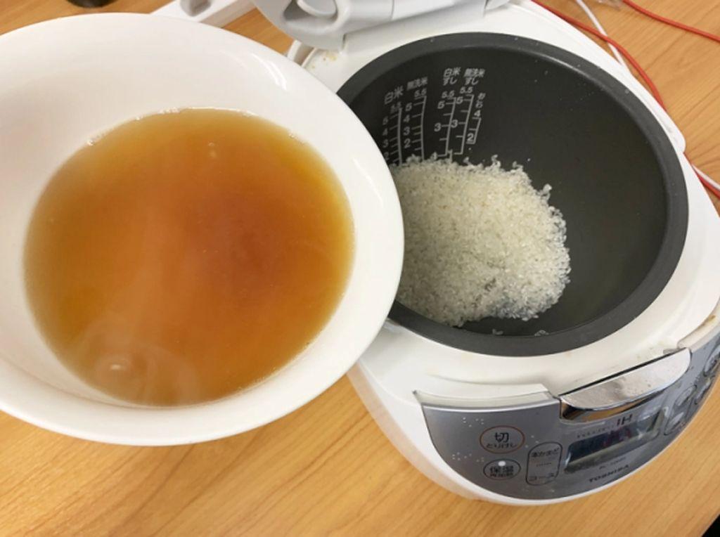 Setelah Nasi KFC, Ini Nasi Kuah Ramen yang Gampang Dicontek
