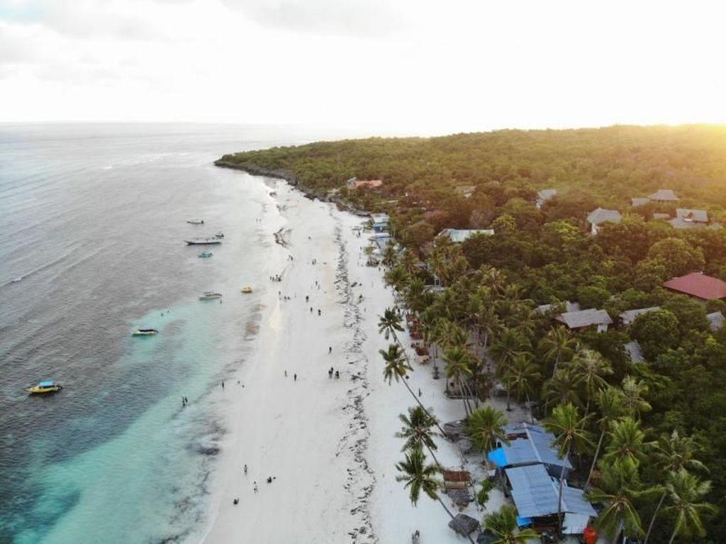 7 Pulau dan Pantai Indah yang Kurang Populer di Indonesia