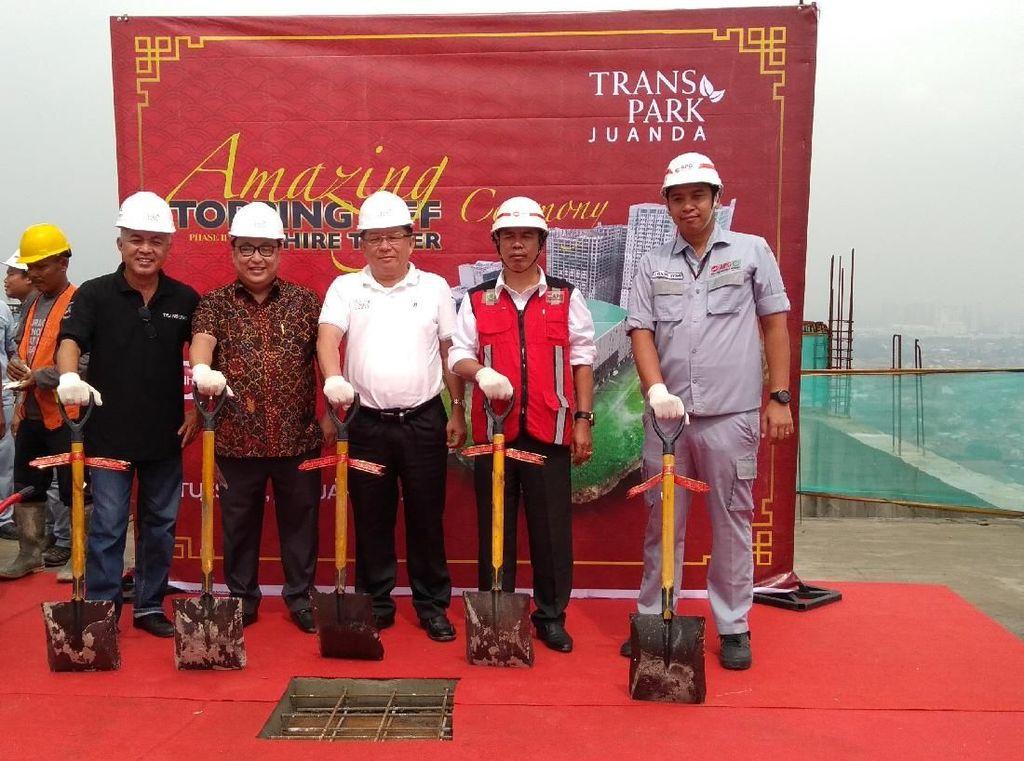 Tower Apartemen Kedua Transpark Juanda Topping Off, Rampung 2021