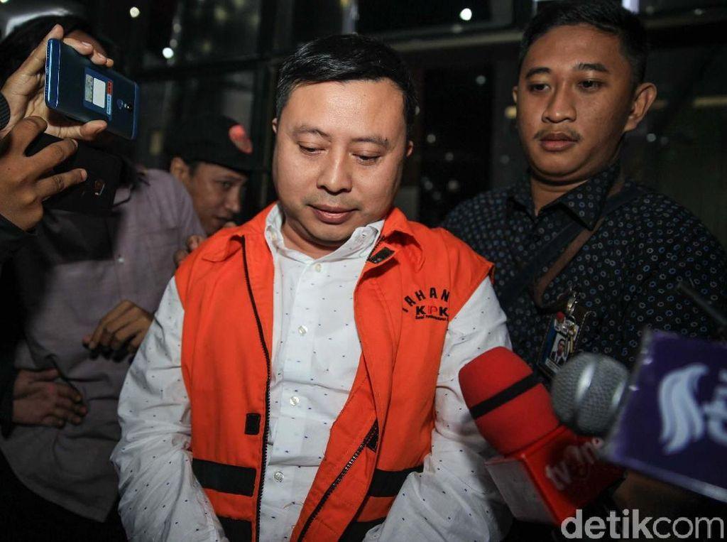 Jaksa KPK Tanya Penyuap Wahyu Setiawan soal Chat Ok Sip Sekjen PDIP Hasto