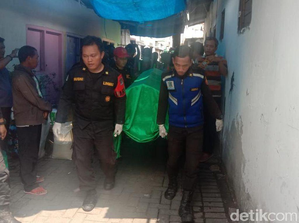 Seorang Kakek di Surabaya Ditemukan Tewas Gantung Diri