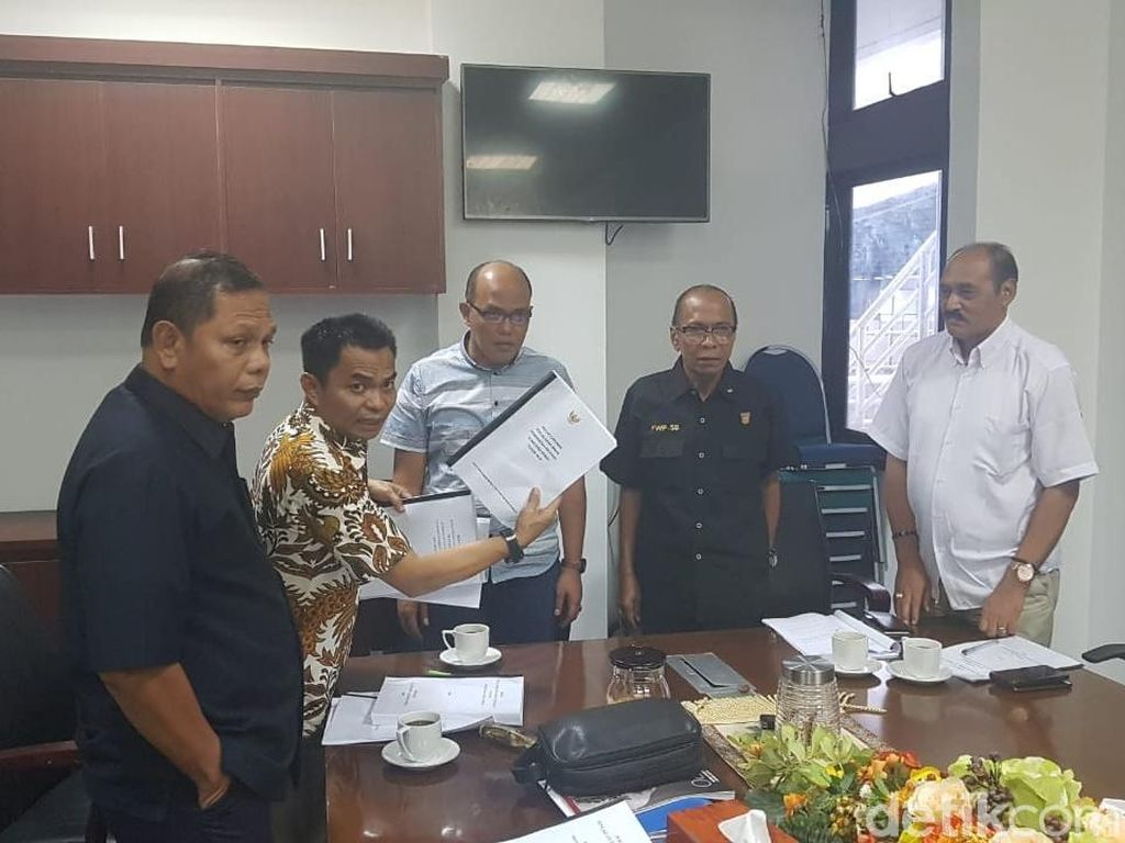 3 Fraksi DPRD Resmi Usulkan Hak Interpelasi Gubernur Sumbar