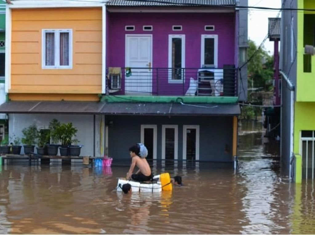 Antisipasi Kerugian Akibat Banjir, Asuransi Bisa Jadi Solusi