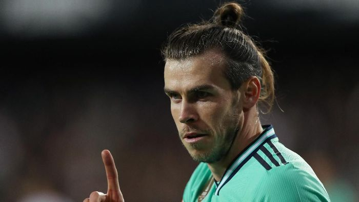 VALENCIA, SPAIN - DECEMBER 15: Gareth Bale of Real Madrid gestures during the Liga match between Valencia CF and Real Madrid CF at Estadio Mestalla on December 15, 2019 in Valencia, Spain. (Photo by Angel Martinez/Getty Images)