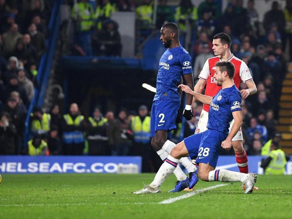 Chelsea yang Sering Buang-Buang Poin Lawan Arsenal